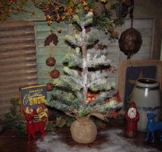 """Primitive Antique Vtg Feather Style 20"""" Snow Flocked Grn Christmas Holiday Tree $24.9"""