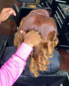 Pressed Natural Hair, Blonde Natural Hair, Blonde Hair Black Girls, Honey Blonde Hair, Hair Color For Black Hair, Colored Natural Hair, Colored Hair, Wavy Hair, Beauty