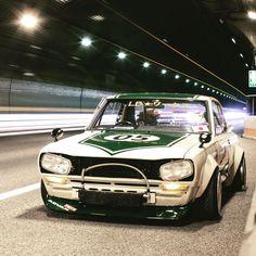 いいね!844件、コメント4件 ― HYUMA KATOさん(@hyuma.k)のInstagramアカウント: 「一昨日ビード落ちた時の写真😂 リアタイヤが外れてるけどいい感じに撮れてる💯 JAF来るまで暇だったから撮影してた😝 #ハコスカ #Hakosuka #スカイライン #skyline #瀬戸市…」 Sport Cars, Race Cars, Jdm Wallpaper, Wallpaper Samsung, Nissan Gtr Skyline, Datsun 240z, Ferrari, Weird Cars, Mini Trucks
