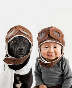 Difficile de ne pas sourire en voyant cette série de clichés par la photographe Taïwanaise Grace Chon. Ces portraits de son fils de 10 mois, Jasper, avec son chien, Zoey, sont juste trop adorables…