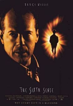 The Sixth Sense : 1999 - Bruce Willis. one of my favorite movies. maybe, within top is a surprise ending. Halloween Movies, Scary Movies, Great Movies, Hd Movies, Movies Online, Horror Movies, Bruce Willis, Films Cinema, Cinema Posters