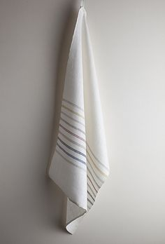 Tim Parry-Williams - Woven Cloth http://www.guildcrafts.org.uk/profiles/TimParry-Williams.htm#
