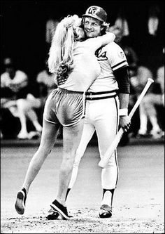 Morganna, The Kissing Bandit, gets George Brett. I was at this game! Kc Royals Baseball, Baseball Boys, Kansas City Royals, Baseball Players, Baseball Field, Baseball Stuff, Pirates Baseball, Tigers Baseball, Sports
