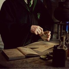 Discovered by ShadowsOfDarkness. Find images and videos about aesthetic, harry potter and draco malfoy on We Heart It - the app to get lost in what you love. Albus Dumbledore, Albus Severus Potter, Harry Potter Oc, James Potter, Draco Malfoy Aesthetic, Harry Potter Aesthetic, Slytherin Aesthetic, Slytherin House, Slytherin Pride