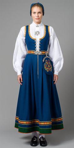 Folk Costume, Costume Dress, Traditional Fashion, Traditional Dresses, Skandinavian Fashion, Norwegian Clothing, Folklore, Ethnic Fashion, Womens Fashion