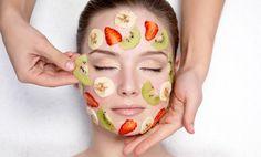 Najlepšie ovocné masky na tvár aj vlasy: Vyrobíš si jahodovú, melónovú, jablkovú či masku z hrozna? Natural Skin Whitening, Natural Skin Care, Natural Face, Natural Glow, Acne Prone Skin, Oily Skin, Beauty Secrets, Beauty Hacks, Beauty Products