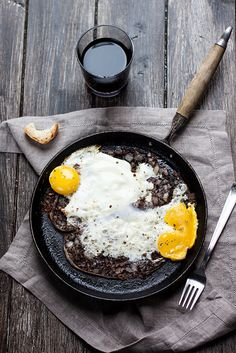 Fried Eggs & Buristo | Juls' Kitchen