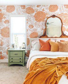 Burnt Orange Bedroom, Orange Accent Walls, Peach Bedroom, 70s Bedroom, Orange Rooms, Retro Bedrooms, Room Ideas Bedroom, Bedroom Vintage, Bedroom Colors