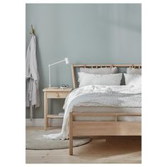 IKEA BJÖRKSNÄS bed frame Made of solid wood, which is a hardwearing and warm natural material. Cama Ikea, Ikea Bedroom, Bedroom Decor, Bedroom Furniture, Diy Bett, King Bed Frame, Ikea Family, Coastal Bedrooms, Bed Slats