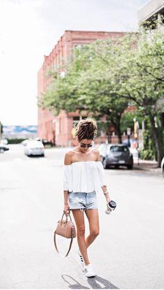 "Summer style : Top ""Off the shoulder"" + denim short + Adidas Superstar ! ideas of looks for the summer days, beachwear street style"