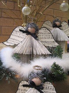 A Mcinnis Artworks: Library Christmas Tour