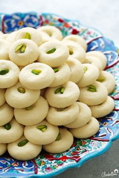The Perfect Ghorayeba, Perfected recipe for Egyptian, bakery style Ghorayeba cookies! Delicate, fine-textured, smooth and melts in the mouth delicious. Arabic Dessert, Arabic Sweets, Arabic Food, Ramadan Desserts, Ramadan Recipes, Sweets Recipes, Cookie Recipes, Arab Food Recipes, Tofu Recipes