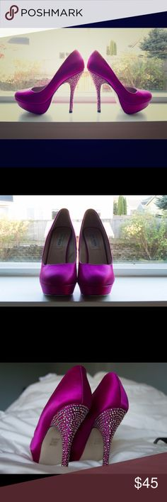 """Steve Madden Fuschia satin heels Partyy-R Fuschia Diamonds are a girl's best friend! Satin heels adorned with gems on the heels. Heel is about 5"""" and the platform front is about 1"""". Additional padding was added to the insole to provide extra comfort. Very clean insole. Size 8.5M Steve Madden Shoes Heels"""
