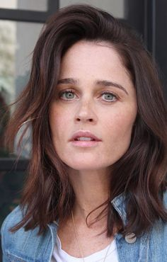 Robin Tunney, Nun Outfit, Illinois, Simon Baker, The Mentalist, Attractive People, Look At You, Beautiful Celebrities, Hair Care