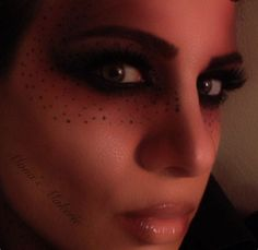 Mona's Makerie Makeup
