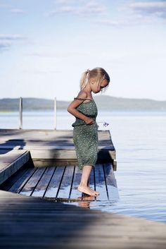 Vanha laituri on pysynyt paikoillaan 1980-luvulta saakka. Children Images, Summer Breeze, Lake Life, Archipelago, Coastal Style, Seaside, Life Is Good, Shops, Cottage