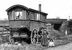 Old ancestry visit genealogy Scottish family history photograph image of a gypsy caravan near Glasgow, Scotland Old Pictures, Old Photos, Vintage Photos, Scotland History, Glasgow Scotland, Gypsy Caravan, Gypsy Wagon, Gypsy People, Brave