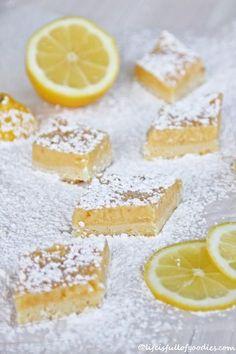 Life is full of goodies: Zitronenschnitten