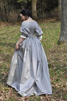 Before the Automobile - 1660's dress