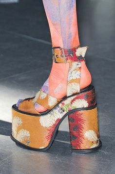 Vivienne Westwood at Paris Fashion Week Fall 2012 - Details Runway Photos Funky Shoes, Crazy Shoes, Cute Shoes, Me Too Shoes, Vivienne Westwood Shoes, Sock Shoes, Shoe Boots, Shoes 2018, Fashion Shoes