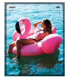 Applicable People: Women Material: Green PVC material Color: Pink (flamingo) and white (swan) Shape: Giant flamingo and giant swan pool float Applicable People: Children and adults Size: Approx 60inch, 150cm Usage: Swimming, holiday, summer fun and gift Load Bearing: Approx 250kg Type: Pool float, swimming ring, circle, beach bed and air mattress Item: Beach Circle
