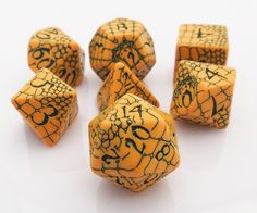 Walk on the wild side with Pathfinder Dice: Serpent's Skull. This officially licensed RPG dice set is the perfect choice for the Pathfinder fantasy role playing game. Works great for Dungeons & Dragon