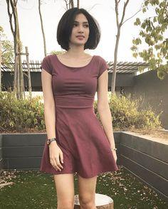 Beautiful Asian Women, Beautiful Celebrities, Turkish Beauty, Stylish Girl Pic, Foto Instagram, Sexy Skirt, Sweet Dress, Sexy Asian Girls, Cute Fashion