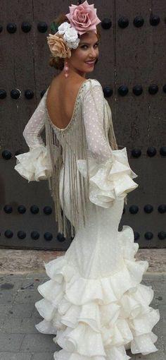 Flamenco Costume, Flamenco Dancers, Spanish Dancer, Spanish Woman, Mexican Dresses, Halloween Outfits, Dance Dresses, Fashion Addict, Marie