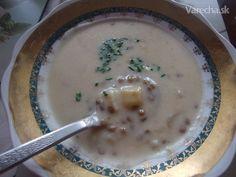 Kyslá šošovicová polievka (fotorecept) - recept | Varecha.sk Cheeseburger Chowder, Food And Drink, Soup, Favorite Recipes, Soups