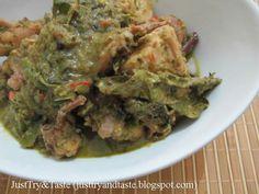 Ayam kari hijau a la Thai yang pedas, kaya rempah dan sedap rasanya Thai Green Chicken Curry, Kari Ayam, Guacamole, Poultry, Beef, Asian, Ethnic Recipes, Foods, Food Food