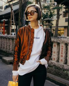 This is an example of a Blouson. Style Garçonne, Boyish Style, Casual Outfits, Fashion Outfits, Fashion Trends, Look 2018, Looks Street Style, Good Hair Day, Bob Hairstyles