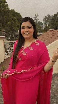 Indian Long Dress, Party Wear Indian Dresses, Indian Fashion Dresses, Dress Indian Style, Punjabi Suits Designer Boutique, Boutique Suits, Indian Designer Suits, Beautiful Dress Designs, Stylish Dress Designs