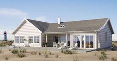 Strandhuset Villa Halmstad, enplanshus i vinkel, utsvängt tak, indragen uteplats, stora glaspartier. Planlösning med avskilt allrum för barnen och stora sovrum. Härligt badrum med dörr ut. Kök-vardagsrum har ryggåstak med takfönster för extra ljus och rymd. Se fler fakta, bilder och ritningar här!