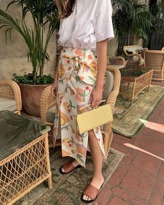Jen wonders in Rejina Pyo - Shop the Vacation Store now. Jen wonders in Rejina Pyo - Shop the Vacation Store now. Spring Fashion Outfits, Look Fashion, Spring Summer Fashion, Trendy Fashion, Summer Outfits, Easy Style, Cool Style, Trendy Style, Instagram Outfits