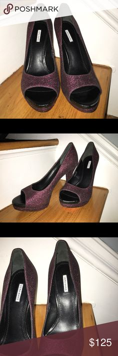 Vera Wang red glitter pumps Vera Wang red glitter pumps in excellent condition. Peep toe heels 👠  Bottom of the shoes show where price stickers were removed. Vera Wang Shoes Heels