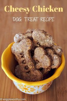 Super tasty cheesy chicken dog treats, with the natural sweetness of applesauce. This recipe is delicious, nutritious, easy to make. and your dog is going to love it! Homemade Dog Cookies, Homemade Dog Food, Diy Dog Treats, Healthy Dog Treats, Puppy Treats, Dog Biscuit Recipes, Dog Food Recipes, Dog Cookie Recipes, Chicken For Dogs