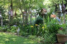 A couple of years ago, I wrote a post about a lady's cottage garden in Jackson, Mississippi. I discovered it while taking a shortcut through. Mediterranean Garden Design, Cottage Garden Design, Cottage Gardens, Gardening, Garden Inspiration, Garden Ideas, Garden Styles, Garden Planning, Yard Art