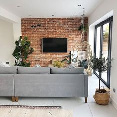 41 Awesome Brick Expose for Living Room – Let's face it: there's something about an exposed brick wall that is really, really interesting. Even if you think exposed brick is a must-have featur… Open Plan Kitchen Living Room, Home Living Room, Apartment Living, Living Room Designs, Living Room Decor, Living Spaces, Small Living, Modern Living, Brick Room