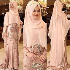 Photos and Videos Wedding Hijab Styles, Muslim Wedding Dresses, Muslim Dress, Wedding Abaya, Abaya Style, Hijab Style Dress, Modest Fashion Hijab, Abaya Fashion, Islamic Fashion