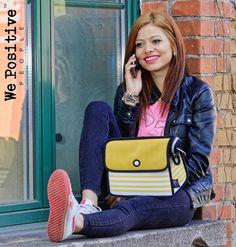 We Positive ist ein toller Glücksbringer - auf dem weichen Lederband sind lauter wunderschöne Botschaften aufgedruckt. Gehe #positiv in den Tag! - Der girlyhafte, poppige Stil von JumpFromPaper trifft den Nerv der Zeit. JumpFromPaper Fashion ist wie gemalt - Bunt, schrill und quirlig.  #fashionaccessory #musthave #natura24ch #happy #wepositive #armbänder #echtleder #bracelets #Lifestyle #trend #mussichhaben #creativa1001 #jumpfrompaper #handtaschen #fashionbag Trends, Bunt, Fashion Accessories, Positivity, La Mode, Leather Cord, Handbags, Gifts, Nice Asses