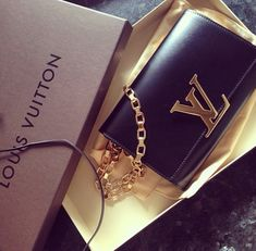 Need this clutch! #LouisVuitton