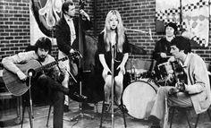 John Lennon and George Harrison Ringo Starr, George Harrison, Beatles Love, John Lennon Beatles, Beatles Photos, Jhon Lennon, Jimi Hendrix, Paul Mccartney, Great Bands