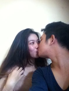 Kissing @aconkkid
