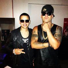 J Alvarez y W