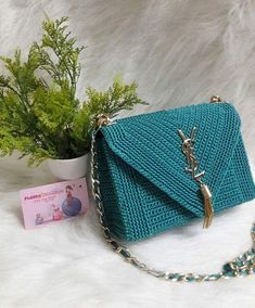 Discover thousands of images about Uyen Do Crochet Clutch Bags, Crochet Handbags, Crochet Purses, Love Crochet, Crochet Baby, Knit Crochet, Purse Patterns, Crochet Patterns, Diy Purse