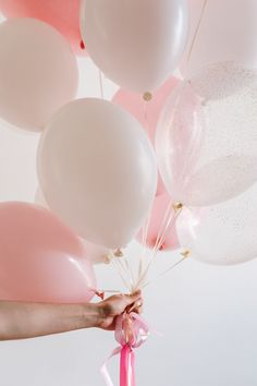 Balloon Arch, The Balloon, Balloons, Valentines Wallpaper Iphone, Iphone Wallpaper, Heart Wallpaper, Lightroom, Pretty Backgrounds, Iphone Backgrounds
