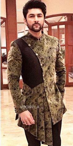 Hmm Hmm Nigerian Men Fashion, Indian Men Fashion, Mens Fashion Suits, African Fashion, Indian Wedding Clothes For Men, Wedding Dress Men, Kurta Men, Mens Sherwani, Sherwani Groom