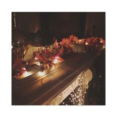 Instagram / @cventresca  #cventresca #courtneyventresca #homedecor #homestaging #staging #decor #cozy #home #interiors #interiordesign #holidaydecor #holiday #pumpkin #candles #lights #atmosphere #fireplace #architecture #garland #fall #autumn #winter #thanksgiving