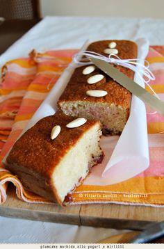 La ricetta di questo plumcake morbido allo yogurt è davvero spettacolare. Ottimo per la colazione o per lo spuntino pomeridiano. Personalizzabile al 100% !