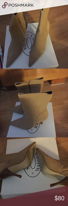 Steve Madden suede boots Steve Madden Camel colored suede boots, excellent condition Steve Madden Shoes Ankle Boots & Booties